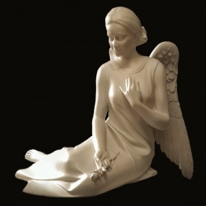Rzeźba nagrobna Siedzący Anioł z głową odwróconą