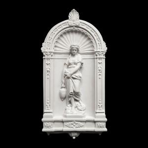Rzeźba dekoracyjna Płaskorzeźba Kobieta ze stągwią